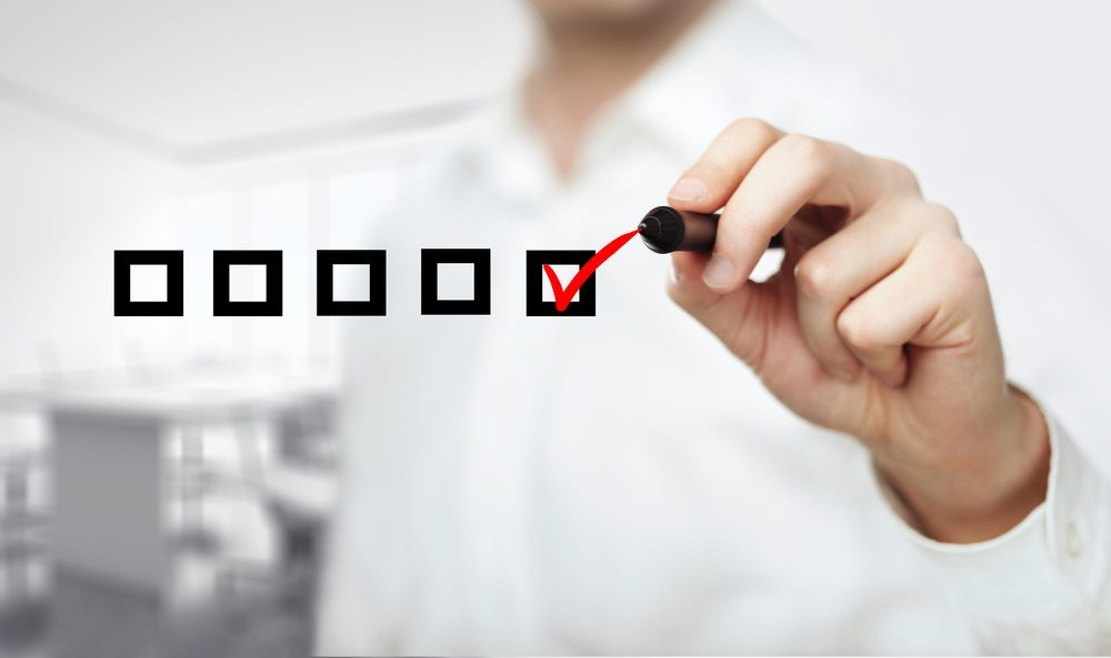 Checkliste-Peshkova-shutterstock.com