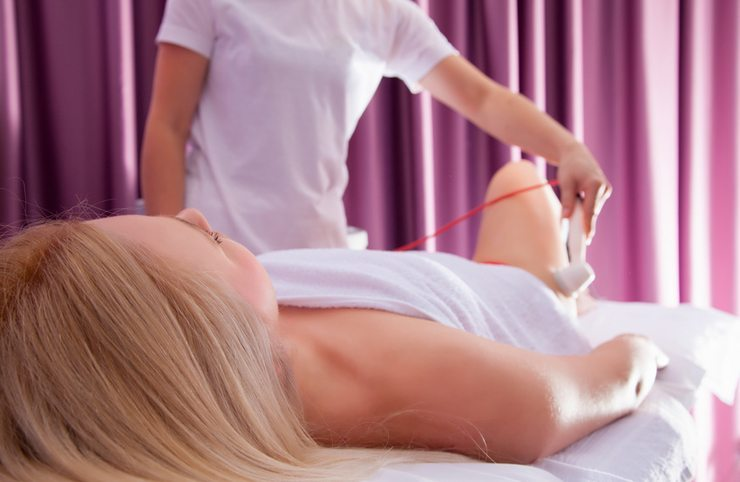 Ob Fettabsaugen oder Vakuum-Massage - moderne Therapien helfen beim Erreichen der Wunschfigur. (Bild: fotoinfot - fotolia.com)