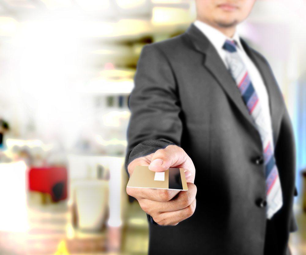 Experten sind sich jedoch einig, dass sich dieses schon in naher Zukunft ändern wird, da die Meeting-Card mehr und mehr an Akzeptanz bei renommierten Unternehmern zunimmt. (Bild: vinzstudio / Shutterstock.com)