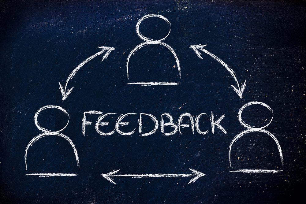 Setzen Sie möglichst zeitnah eine Feedback-Runde. (Bild: faithie / Shutterstock.com)