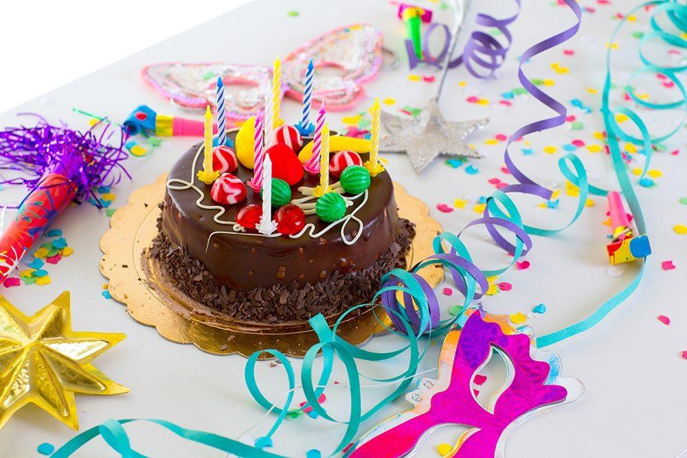 Die Hauptattraktion: der Kuchen. (Bild: holbox / Shutterstock.com)