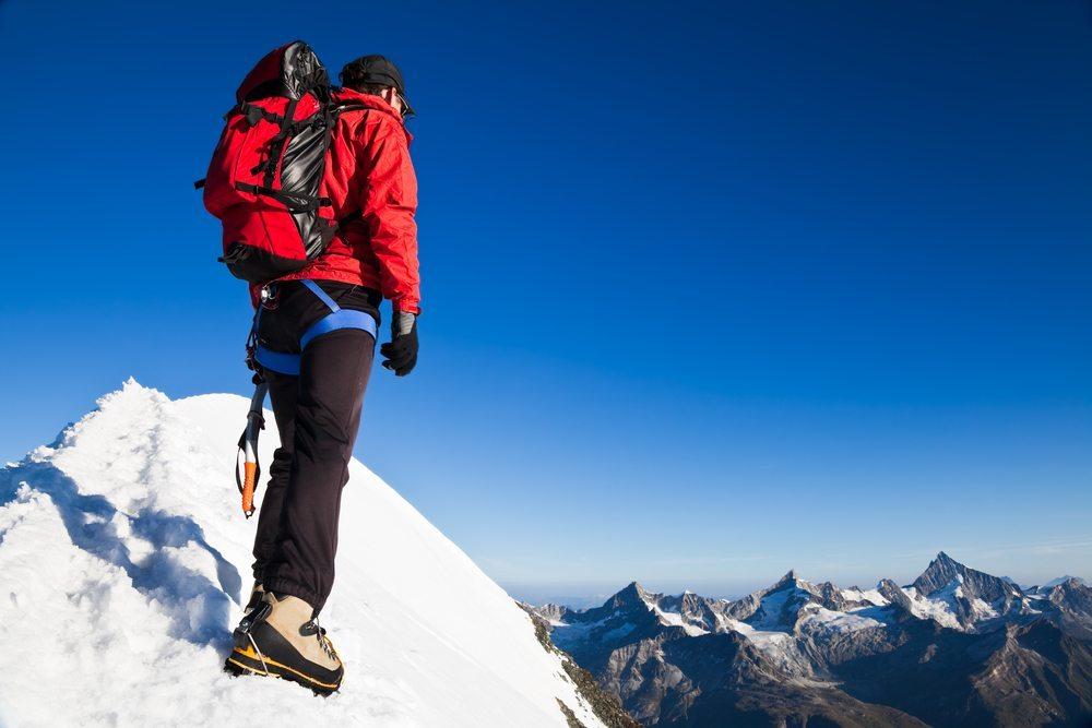 Winterwandern bei Zermatt (Bild: Roberto Caucino / Shutterstock.com)