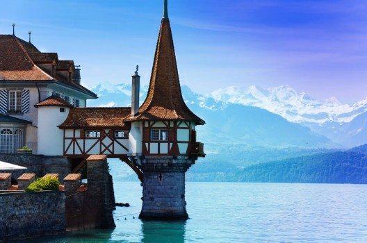 Bern hat viele pittoreske Winkel zu biegen - kein Wunder, dass die Stadt viele Touristen aus verschiedenen Orten anzieht.