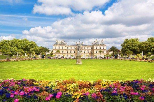 Der Jardin du Luxembourg in Paris ist nicht nur historisch interessant, sondern beherbergt heute auch den französischen Senat.