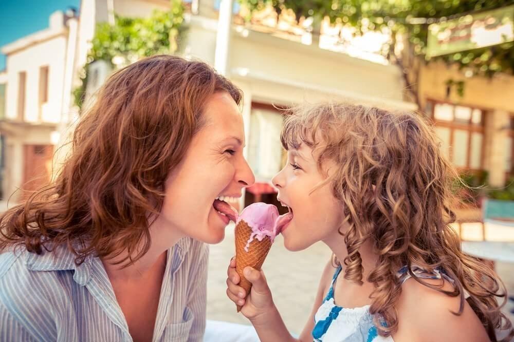 Der Sommer ist die Zeit der Eisdielen. (Bild: © Sunny studio - fotolia.com)