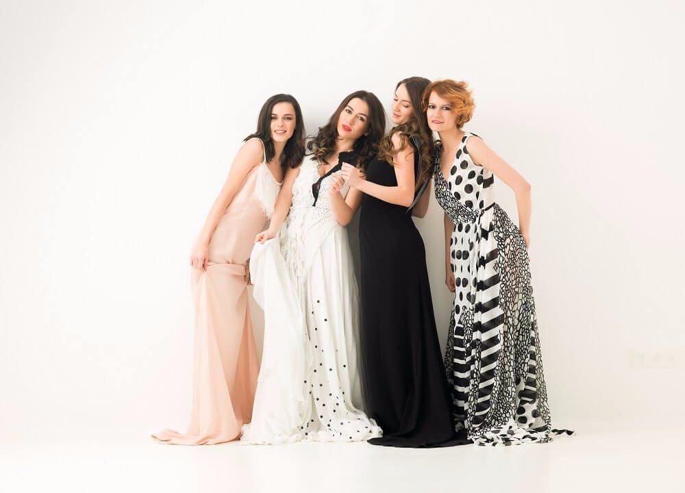 Es schadet nie, kurz bei der Braut anzufragen, welcher Dresscode erwünscht ist. (Bild: © shotsstudio - fotolia.com)