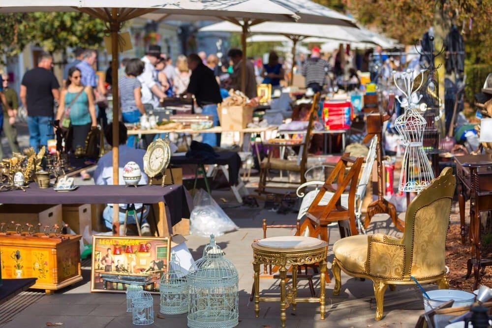 Als Hobby am Wochenende Flohmärkte durchstöbern? (Bild: © Matej Kastelic - shutterstock.com)