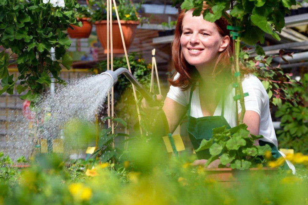 Gartenarbeit schlägt mehrere Fliegen mit einer Klappe. (Bild: © industrieblick - fotolia.com)