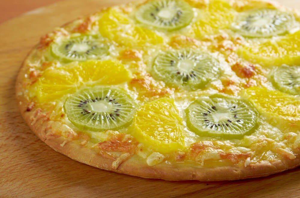 Grillierte Pizza schmeckt für Naschkatzen auch als Nachtisch. (Bild: © Fanfo - shutterstock.com)