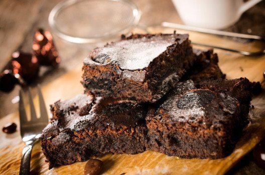 Richtige amerikanische Brownies sind garantiert ein Renner auf Ihrem Buffet. (Bild: Family Busi-ness – shutterstock.com)