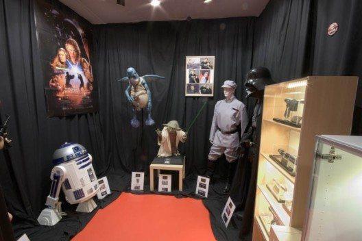 """""""Across the screen"""" ist ein Museum mit einer privaten Sammlung von Originalobjekten oder Nachbildungen aus Filmen und Serien. (Bild: acrossthescreen)"""