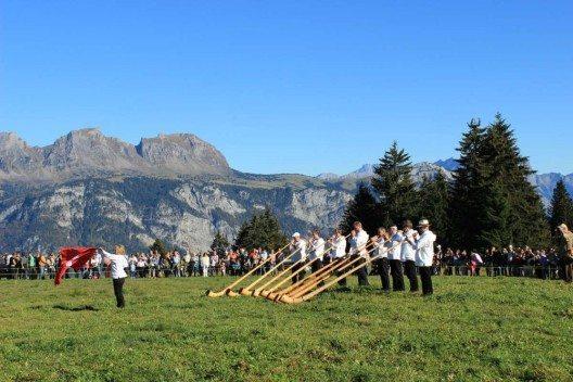 Alphorngruppe bei der Siegerehrung 2014 (Bild: © Heidiland Tourismus AG)