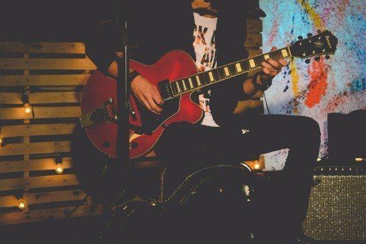 Musik ist bei Events im Betrieb elementar, um eine ausgelassene Stimmung zu begünstigen.
