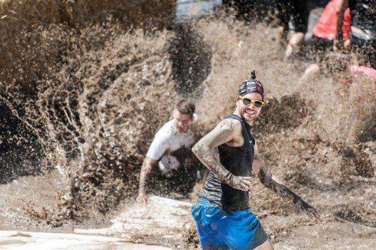 Den Läufern werden auch diesmal wieder neue und kräfteraubende Hindernisse in den Weg gestellt.