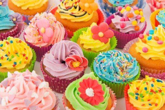 Bei der Cupcake-Verzierung sind der Kreativität keine Grenzen gesetzt. (Bild: © Ivonne-Wierink - Shutterstock.com)