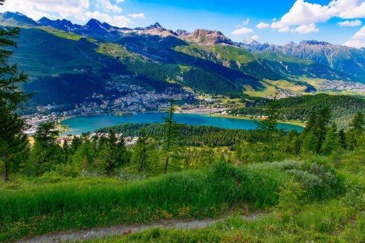 St. Moritz: Ort der Proben und der Generalprobe. (Bild: © michelangeloop – Shutterstock.com)