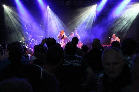 Ohrenschmaus im Pavillon: Die insgesamt zehn Konzerte sind kostenlos. (Bild: Luzern Tourismus AG)