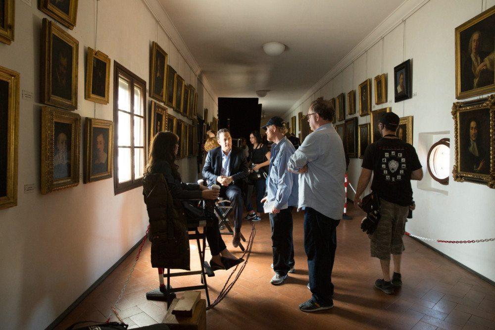 Inferno - Making Of - Felicity Jones and Tom Hanks with Director Ron Howard, (Bild: © TMDb.pro)