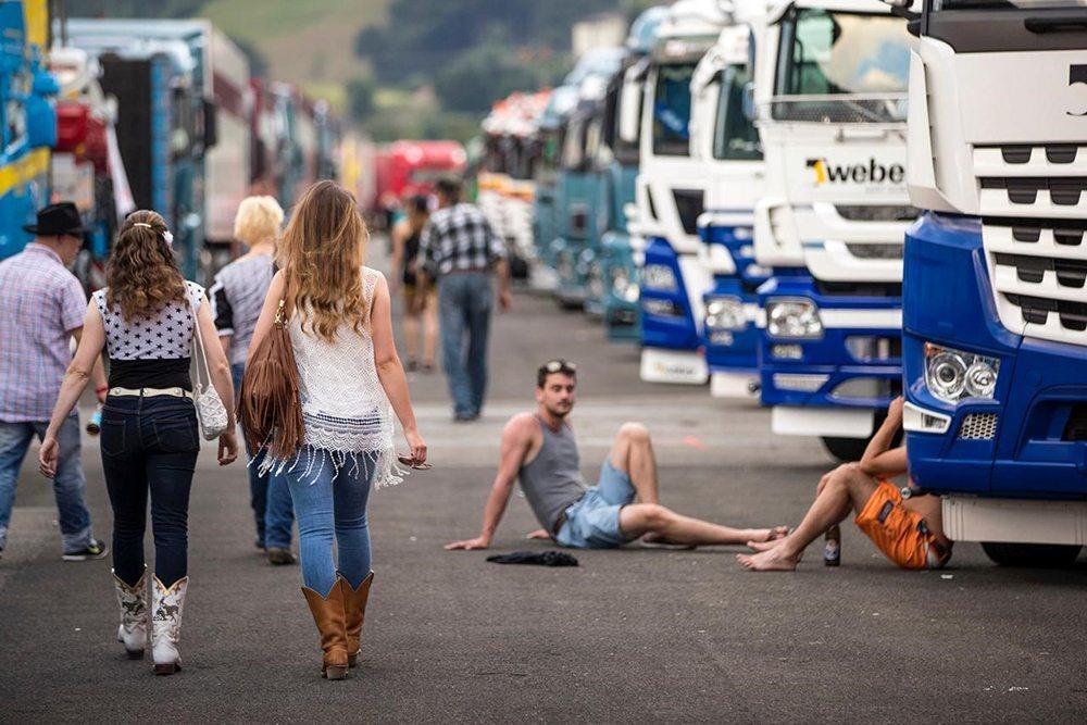 Truck Meile - internationales Trucker- & Country-Festival Interlaken. (Bild: © David Birri)