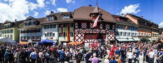 Das ganze Städtli Sempach feiert mit. (Bild: © Staatskanzlei Luzern)