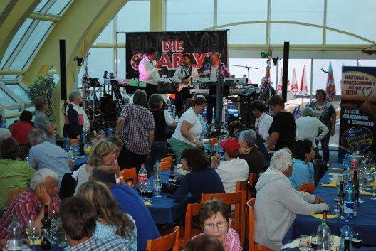 Vom 21. bis 24. Juli begeisterte in Leukerbad das ALPEN-WELLE Musik-Weekend Schlager-Fans. (Bild: © Leukerbad Tourismus)