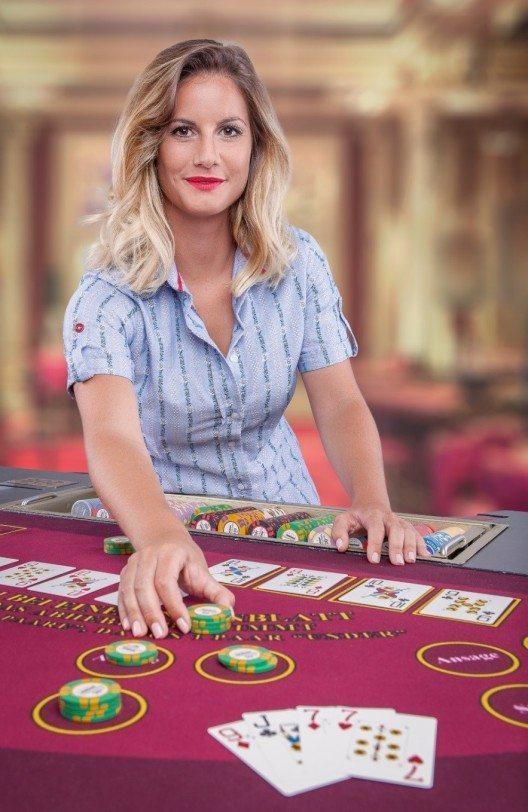 Jassino-Testimonial und Tele-1-Moderatorin Fabienne Bamert. (Bild: © Grand Casino Luzern)