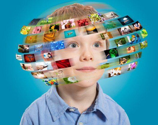 Digitale Medien spielen im Erziehungsalltag immer grössere Rolle. (Bild: scyther5 – Shutterstokc.com)