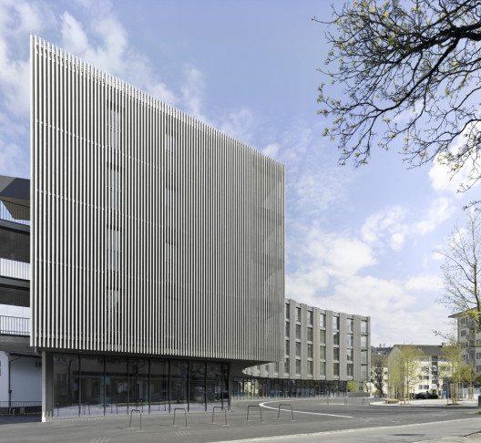 Wohn- und Geschäftshaus «Am Neuhausplatz» (Bild: © Alexander Gempeler/Prix Lignum 2015)