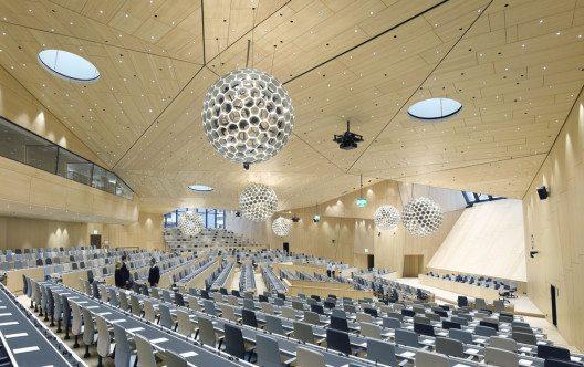 Salle de conférence de l'OMPI (Bild: © David Matthiessen/Prix Lignum 2015)