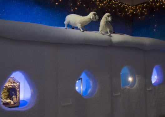Blick in die Ausstellung: zauberhafte Winterlandschaft im Landesmuseum Zürich. (Bild: © Schweizerisches Nationalmuseum)